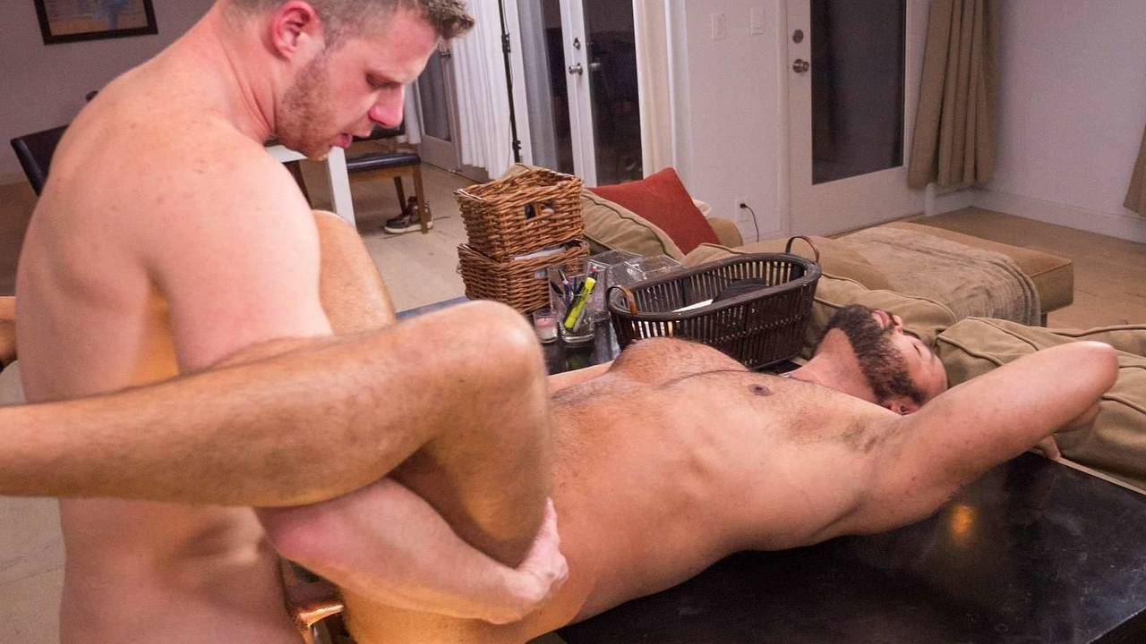 BBTH_2018_0228_1280x720 Brian Bonds and Damien Kilauea – Serving Damien