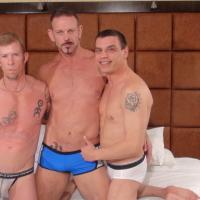 Partouze bareback entre 3 beaux vieux gay TTBM !
