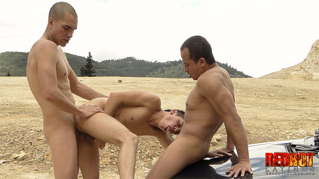 3 3WAY part2 640x360 Outdoor Cocksucking, Bareback Fucking And Cum Guzzling Age Playing Trio